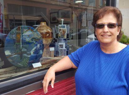 Linda Gerrad glass artist